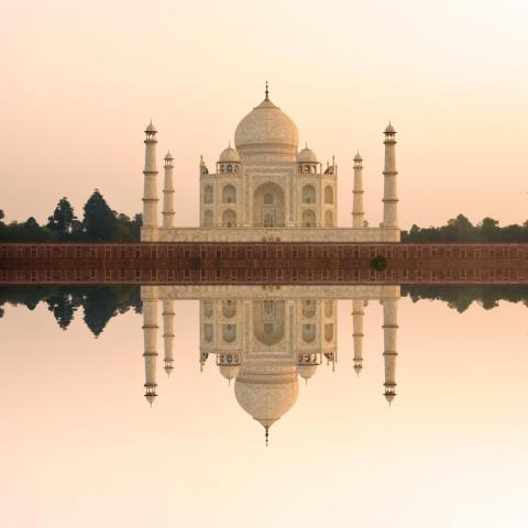 UNESCO Youth Eyes on the Silk Roads Photo Contest, Monuments.  Taj Mahal at sunset.  © Rishabh