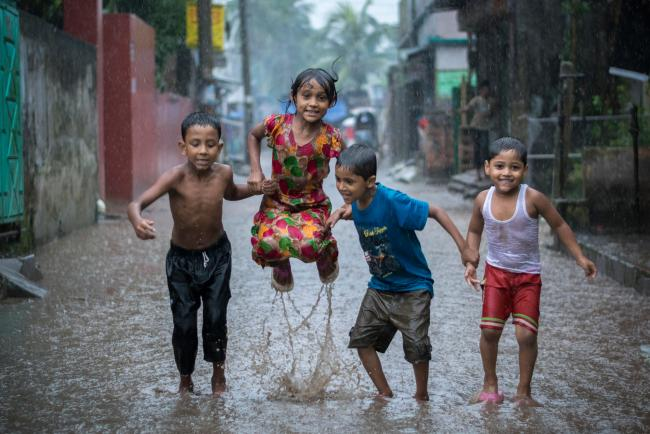 UNESCO Youth Eyes on the Silk Roads Photo Contest Winners. © Zijie Gong Photography.Fun Bath,Bangladesh.